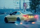 Video: BMW M4 driftuje v ulicích Moskvy