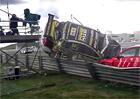 Video: Při bouračce v BTCC to odnesla i věž s kameramanem