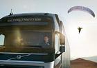 Volvo Trucks láká na kaskadérský kousek létajícího pasažéra (+video)