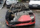 Čerstvě zrestaurované Ferrari F40 kompletně shořelo