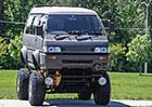 Mitsubishi Delica jako monster truck