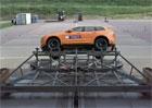 Volvo XC60 v prvních crash testech. Nová generace si s nimi hlavu příliš neláme