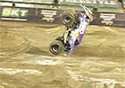 Video: Salto s monster truckem aneb tohle vaše auto neumí