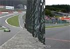 Proč je F1 skutečnou královnou motorismu? Podívejte se na rychlostní srovnání se závoďákem!