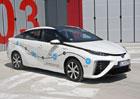 Poprvé za volantem vodíkové Toyoty Mirai. Je tohle budoucnost?