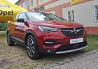 Prozkoumali jsme Opel Grandland X. Kdy přijde bratr Peugeotu 3008 na český trh?