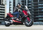 Yamaha X-Max 125 míří ve stopách větších příbuzných do městských ulic