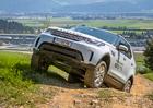 S Land Rovery v náročném terénu: Nové Discovery se vyrovná legendárnímu Defenderu!