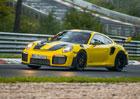 Porsche 911 GT2 RS je nejrychlejší sériovkou na Nürburgringu! Podívejte se na rekordní jízdu