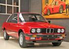 Šíleně drahé BMW 323i E30 z roku 1985. Neujelo skoro nic