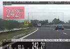 Řidič na Slovensku uháněl v BMW 242 km/h. Bizarnější výmluvu pro rychlost byste nevymysleli