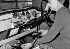 Prapředek dnešních infotainmentů měl hudbu uloženou na vinylu o průměru sedmi palců